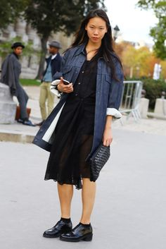 Black + White (and pink phone) | Street Fashion | Street Peeper | Global Street Fashion and Street Style