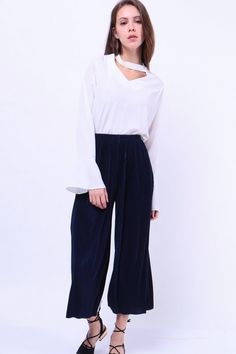 Pleated Shimmer Culottes (Navy)  S$ 34.00