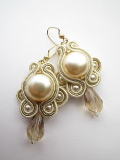 Bridal champagne earrings. $40.00, via Etsy.