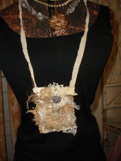 PRAIRIE MEMORY POUCH.......all hand stitched