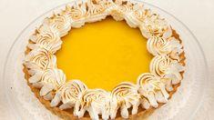Koko Suomi leipoo -ohjelman neljännen kauden seitsemännen jakson tekniikkatehtävässä kilpailijat leipoivat sitruunatartaletit. Sweet Pie, Rolls, Birthday Cake, Desserts, Food, Pastries, Coffee, Birthday Cakes, Deserts