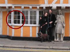 Real Ghost Pictures: The Old Woman In The Antique Shop