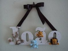 porta maternidade nome em mdf com biscuit.  contato:arteira_2010@hotmail.com