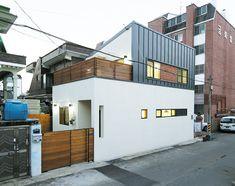 Narrow House Designs, Small House Design, Facade Architecture, Home Deco, Home And Living, Exterior Design, Tiny House, Small Spaces, Building A House