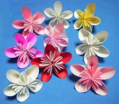 季節ごとに飾ってみよう♪折り紙でつくるいろいろなお花おすすめ15選 | iemo[イエモ]