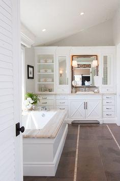 California Beach House with Transitional Interiors ben Moore color White Heron Beach House Furniture, Beach House Decor, Home Decor, Bathroom Renos, White Bathroom, Bathroom Beach, Bathroom Cabinetry, Design Bathroom, Bathroom Vanities