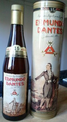 Edmundo Dantes Special Reserve Extra Aged 15 Years, an extraordinary Cuban rum, which is the little brother of Edmund Dantes 25 years, one of the best rums that have occurred ever in the world.