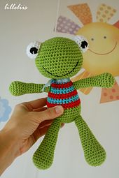 Fun and colorful frog named Felix. Wonderful toy for babies as it has no stiff parts.