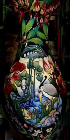 "Moorcroft Vase "" Hidden Dreams ""  Drakesbrook Antique"