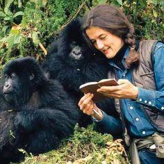 Dian Fossey fue líder de acciones en pro de la liberación animal. Hoy somos muchos los que luchamos cada día por salvar mas vidas. #SalvaMasVidas