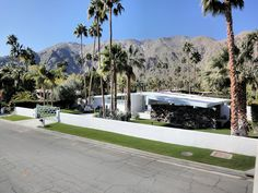 Atomic Ranch...Palm Springs, CA. This is why I dream of living there.