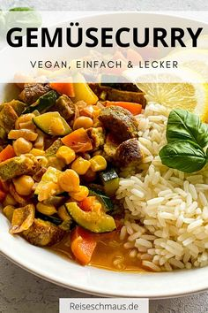 Einfaches Gemüsecurry mit Kokosmilch, welches mit wenigen Zutaten gelingt. Das Gemüsecurry mit Reis überzeugt durch einen aromatischen Geschmack und ist dazu auch noch vegan. Probiere das Gemüsecurry Rezept also unbedingt aus! #gemüsecurry #kokosmilch #reis #vegetarisch #vegan Thai Chicken Curry, Red Thai, Japanese Curry, Coconut Milk Curry, Indian Chicken, Butter Chicken, Curry Recipes, Easy Peasy, Chana Masala