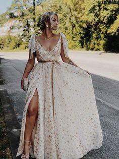 Plus Size Wedding Gowns, Plus Size Dresses, Evening Dresses, Prom Dresses, Dress Vestidos, Curvy Bride, Curvy Dress, The Dress, Boho Wedding