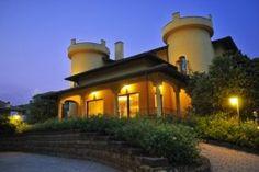 Ristorante Canova Mansions, House Styles, Home Decor, Decoration Home, Room Decor, Villas, Interior Design, Home Interiors, Palaces