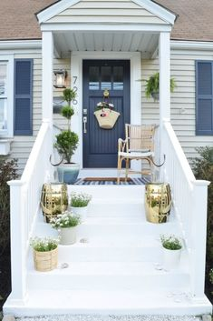 Fall Front Porch Ideas with Railings . Fall Front Porch Ideas with Railings . Front Porch Ideas and Designing the Outdoors Summer Porch Decor, Summer Front Porches, Front Porch Steps, Small Front Porches, Farmhouse Front Porches, Covered Front Porches, Front Porch Design, Porch Designs, Front Deck