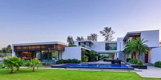 Modern Villa Center Court / DADA Partners, New Delhi, India ~ CONTEMPORARY ARCHITECTURE