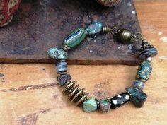 Bracelet tribal avec perles de collection : par annemarietollet