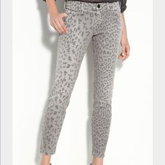 "Current/Elliott Stiletto Leopard Grey Skinny ankle jeans. Grey leopard print. 28"" inseam. Current/Elliott Jeans Ankle & Cropped"