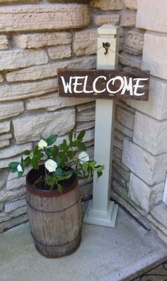 Best Country Decor Ideas for Your Porch - Front Porch Welcome Post - Rustic Farmhouse Decor Tutorials and Easy Vintage Shabby Chic Home Decor for Kitchen, Living Room and Bathroom - Creative Country Crafts, Furniture, Patio Decor and Rustic Wall Art and Accessories to Make and Sell http://diyjoy.com/country-decor-ideas-porchs #easyhomedecor #summerdecoratingideasforthehomecreative