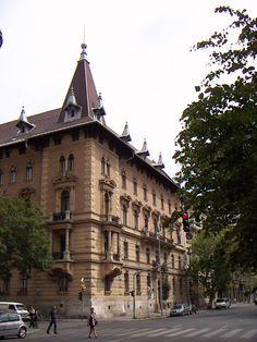 Egykori székházunk - Országos Erdészeti Egyesület Louvre, Street View, Architecture, Building, Travel, Arquitetura, Viajes, Buildings, Destinations