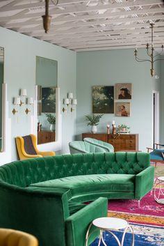 Modern Sofas Modernsofas Sofasdesign Velvetsofa More Inspiration At Http Sofa Furnitureliving Room Furnituregreen