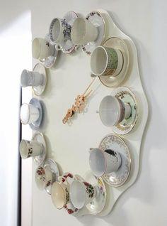 Table glued tea cups display