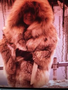 Red Fur, Chic Clothing, Fashion Guide, Fur Coats, Fur Fashion, Chic Outfits, Style Guides, Sexy Women, Jackets