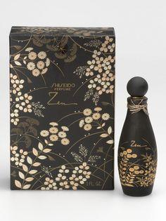 Shiseidos ZEN-Momente: Das 1964 lancierte #Shiseido #ZEN-Parfum rief eine subtile und dennoch tiefgründige Assoziation zum Orient wach, was auch das Verpackungsdesign widerspiegelte: Ein Teppich goldener Herbstblumen auf einem schwarzen Hintergrund.
