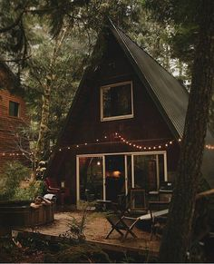 it) submitted by ET_zero to /r/CozyPlaces 0 comments original - Architecture and Home Decor - Buildings - Bedrooms - Bathrooms - Kitchen And Living Room Interior Design Decorating Ideas - Tiny House Cabin, Cabin Homes, Cozy House, A Frame Cabin, A Frame House, Triangle House, Cabin In The Woods, Forest House, Cabins And Cottages
