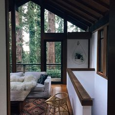 lindas paredes de vidro integram exterior e interior. #decor #interior