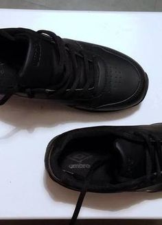 Kup mój przedmiot na #vintedpl http://www.vinted.pl/damskie-obuwie/obuwie-sportowe/13294064-buty-umbro-jak-reebok-classic-rozm-38-dl-24-cm-czarne