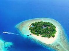 Private Island Resort in the Maldives Underwater Bedroom, Bon Plan Voyage, Visit Maldives, Maldives Tour, Maldives Travel, Romantic Destinations, Honeymoon Destinations, Island Resort, Small Island