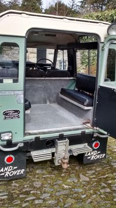 Land Rover Innenraum 2 – Kyle Bloser – Join the world of pin Land Rover 88, Land Rover Models, Land Rover Series 3, Land Rover Defender Interior, Land Rover Defender 110, Defender 90, Landrover Defender, Offroad, Volkswagen