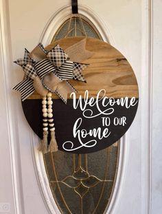 Wood Wreath, Door Signs, Porch Signs, Door Hangers, Rustic Wood Decor, Diy Spring Wreath, Homemade Home Decor, Unique Doors, New Home Gifts