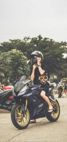 Boyfriend Pictures, Boy Pictures, Boy Images, Biker Photography, Boy Photography Poses, Ninja Bike, Cute Boys, Bad Boys, Motorcross Bike