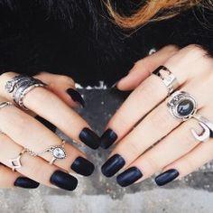 Luanna Perez's rings