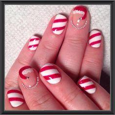 Santa + Candy Stripes Nails | #christmasnails #nailart #christmasnailart #xmasnails