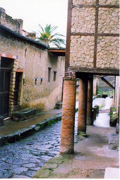 The Streets of Herculaneum Le Strade di Ercolano, Campania
