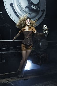 Nastasia Scott . America's Next Top Model, Cycle 19: College Edition _ Photo Shoot 5: Steampunk Fashion with an Owl on a Train