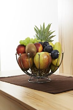Obstkorb in den Zimmern Den, Serving Bowls, Tableware, Dinnerware, Tablewares, Dishes, Place Settings, Mixing Bowls, Bowls