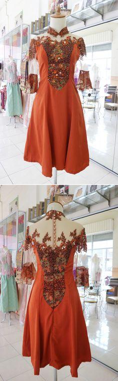 Kombinasi batik (IG @ratukebaya_medan)