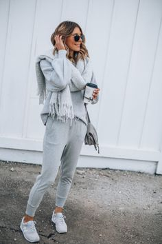 Cozy Outfits To Wear After You&;ve Finished Thanksgiving Dinner Cozy Outfits To Wear After You&;ve Finished Thanksgiving Dinner River Benson Casual Outfit Cozy Outfits to Wear After You&;ve […] with leggings cozy Joggers Outfit, Athleisure Outfits, Sporty Outfits, Cute Outfits, Fashion Outfits, Casual Dinner Outfits, Fashion Styles, Sporty Fashion, Black Outfits