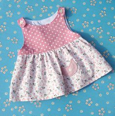 Cute little baby dress, a wonderful present. Different sizes and colours, whatever you'd prefer. Baby Dress Design, Baby Girl Dress Patterns, Little Dresses, Little Girl Dresses, Skirt Patterns, Coat Patterns, Baby Dresses, Dress Girl, Blouse Patterns