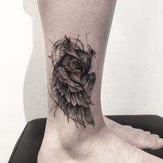 Owl Tattoo Meaning, Best Owl Tattoo Design Ideas black and grey cute owl tattoo on leg Symbol Tattoos, Foot Tattoos, Sexy Tattoos, Unique Tattoos, Body Art Tattoos, Sleeve Tattoos, Geometric Pattern Tattoo, Geometric Sleeve Tattoo, Geometric Tattoos