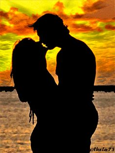 The perfect Couple Kissing Sea Animated GIF for your conversation. Love You Gif, Love You Images, Cute Love Gif, Romantic Kiss Gif, Romantic Pictures, Couples In Love, Romantic Couples, Passion Lovers, Moon Lovers