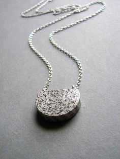 recycled paper necklace | @blureco