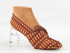 Steven Arpad shoes, 1939 vintage fashion style color photo print ad model magazine designer heels pumps unique lucite heel plaid bow tie 30s