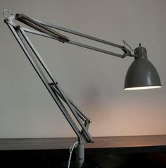 Lampe architecte Luxo L-1 grise fabriquée aux USA entre 1962 et 1972