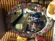 Accessorize mirror.- When will they finally put it up for sale?!