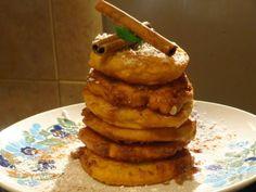 Τηγανίτες με μήλα !!!Παραδοσιακή συνταγή από την Μήλο . ~ ΜΑΓΕΙΡΙΚΗ ΚΑΙ ΣΥΝΤΑΓΕΣ Greek Desserts, Greek Recipes, Apple Recipes, Waffles, French Toast, Fruit, Cooking, Breakfast, Food